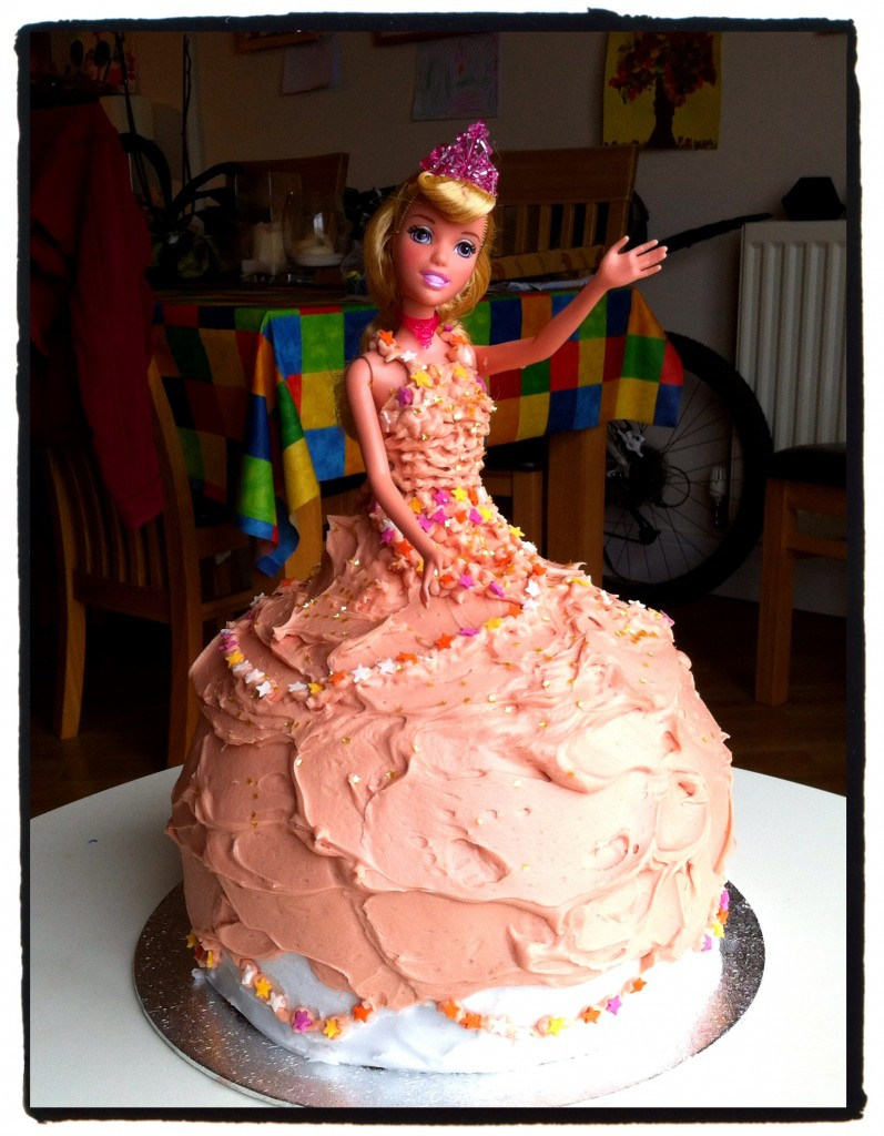 Making a princess cake from scratch can be difficult. Here's the full recipe to make a beautiful princess birthday cake